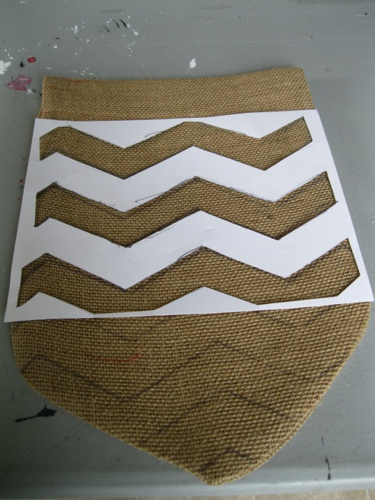 georgia & daughter: DIY Burlap Flags