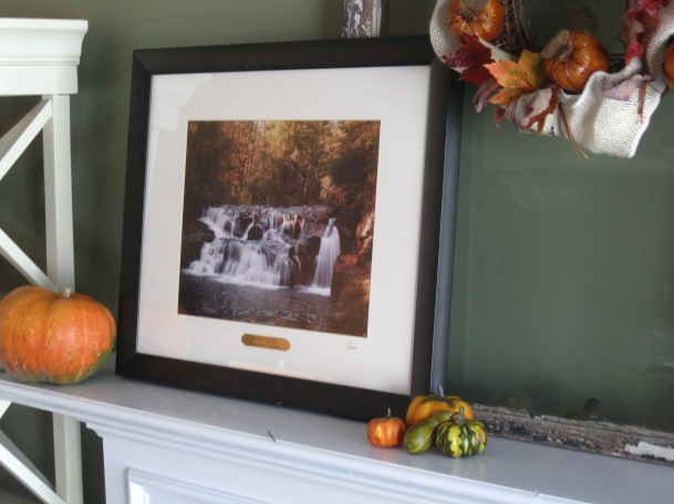 georgia & daughter: A Traditional Fall Mantel