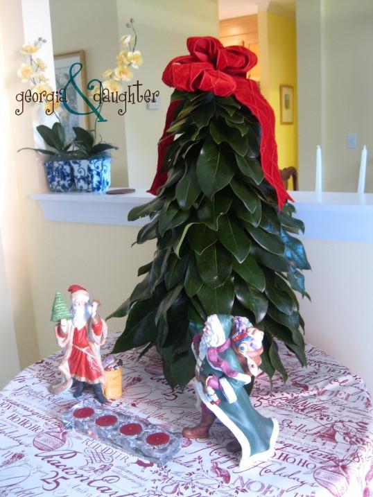 georgia & daughter: DIY Magnolia Leaf Tree