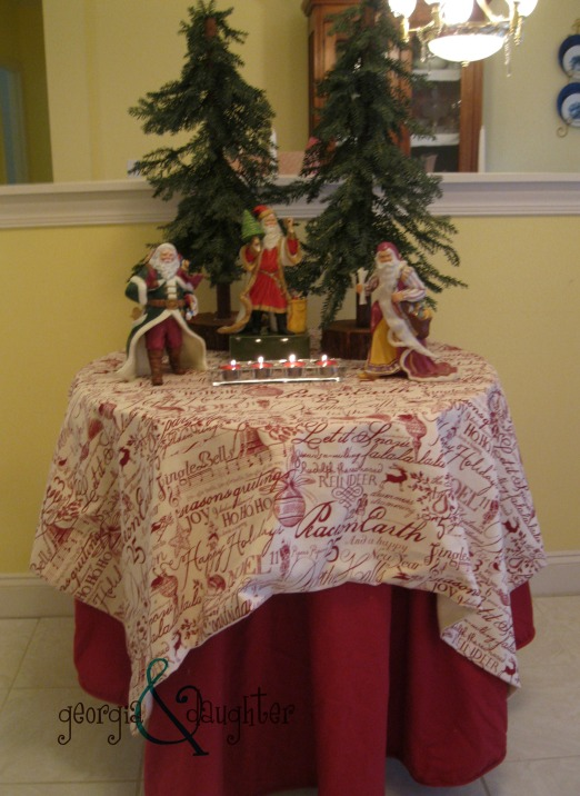 georgia & daughter: Sew Simple Square - Christmas Table Overlay